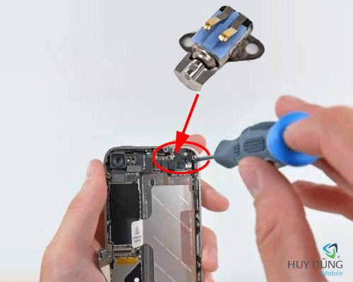 Một số lưu ý khi sửa chữa iPhone tránh luột đồ